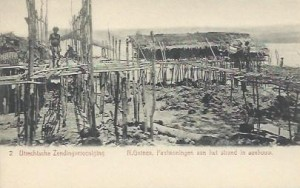 UZV 2-2 paalwoningen strand in aanbouw